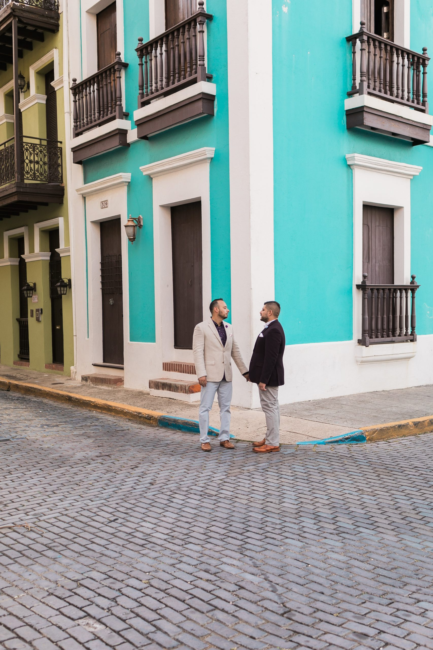 discovering the colorful puerto rico streets during their engagement session