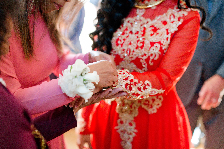 Bride at Vietnamese tea ceremony in northern california